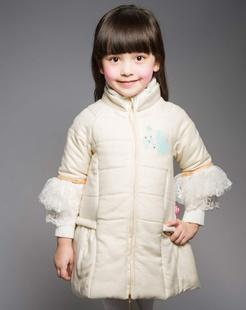 女童米色棉衣