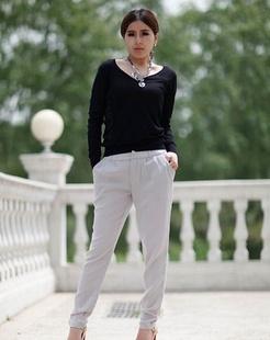 女款灰色铅笔裤