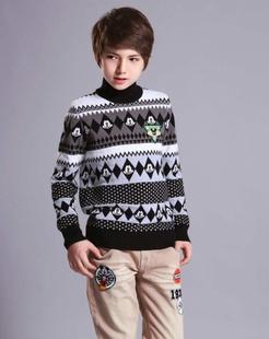 男童铁灰毛衣
