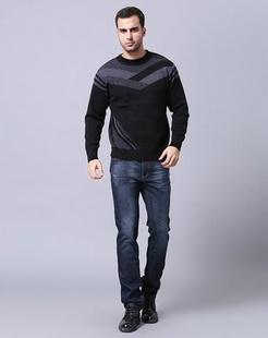 男款黑色圆领毛衫