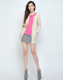女款米色时尚针织衫