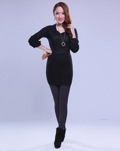 黑色舒适简约长袖毛衫