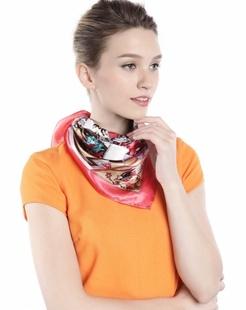 女款红色卡通城堡印花时尚丝巾