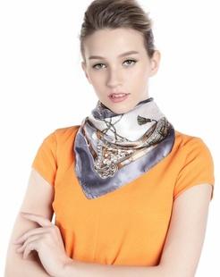 女款银灰色/白色卡通链条时尚方巾