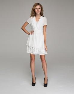 白色甜美连衣裙