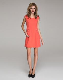 橙红连衣裙