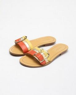 简约红黄色休闲拖鞋