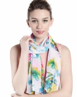 女款白色百花盛开时尚印花丝巾
