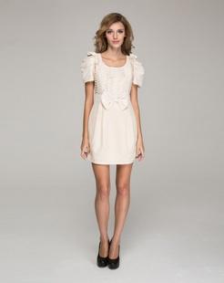 米色甜美连衣裙