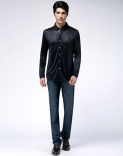 蓝黑色经典舒适长袖衬衫