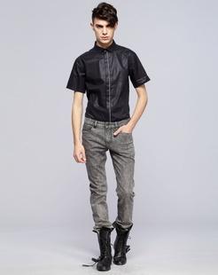 黑色经典舒适短袖衬衫