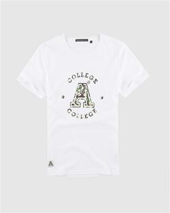 迷彩字母印花短袖T恤