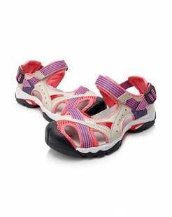 女款粉红色沙滩鞋