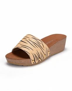 驼色牛皮拖鞋