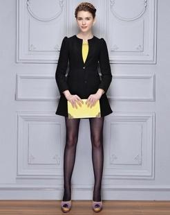 黑色纯色修身大衣