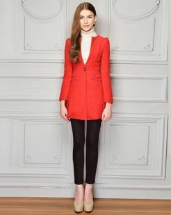 大红纯色修身大衣