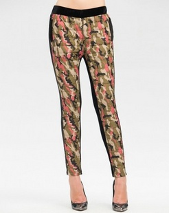 迷彩红色新颖时尚长裤