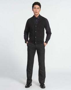 男士深灰色羊毛衫