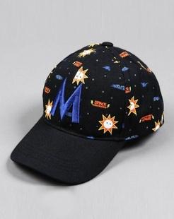 男童蓝色棒球帽