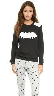 连肩蝙蝠运动衫