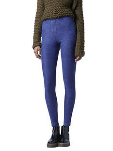 深蓝色牛仔紧身裤